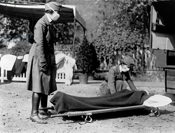 Red Cross Influenza Nurses, Washington, D.C., USA, 1918 (b/w photo)