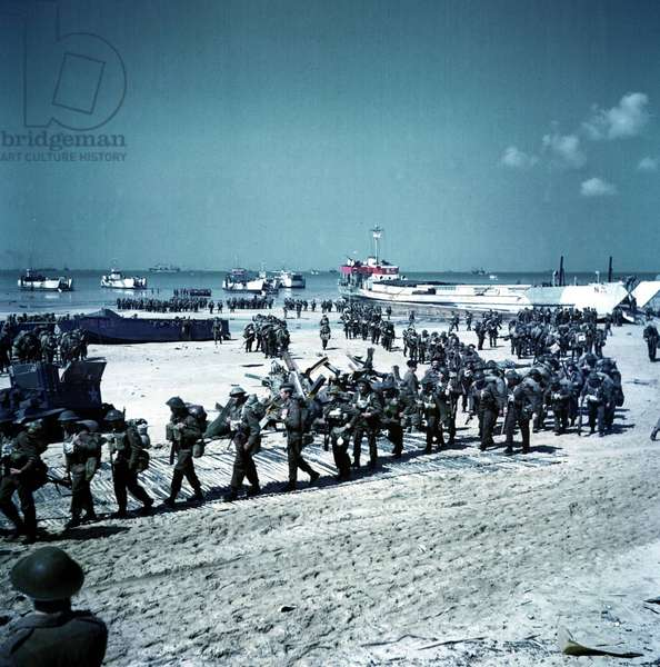 Canadian soldiers being deployed on Juno Beach, 1944