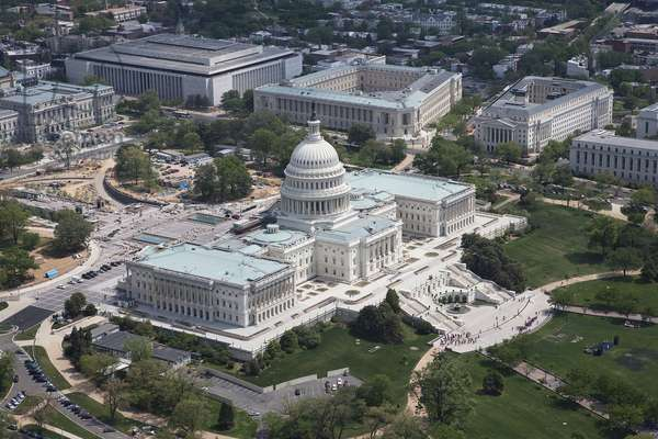 United States Capitol Building (photo)