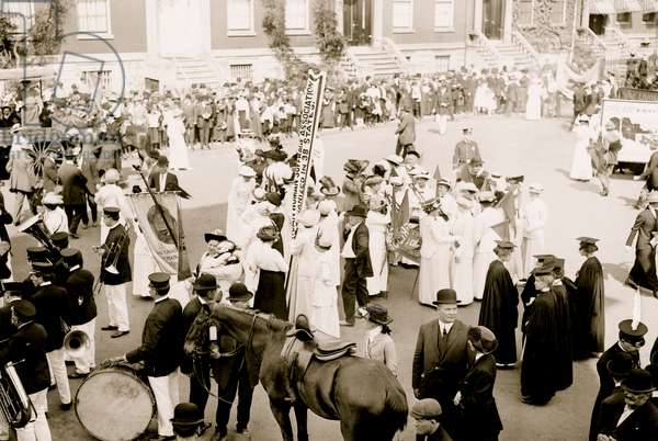 Suffrage Parades in New York City 1914 (photo)