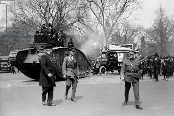 Parade of a Tank in a Washington Liberty Bond Parade 1918 (photo)