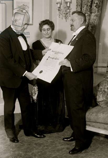 Thomas A. Edison and wife (photo)