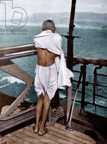 Mohandas Karamchand Gandhi dit Mahatma Gandhi (1869-1948), leader politique et spirituel indien, lors de son voyage en Angleterre, 1931 - Mahatma Gandhi during his voyage to England, Bombay, August 1931. ©Dinodia/Uig/Leemage