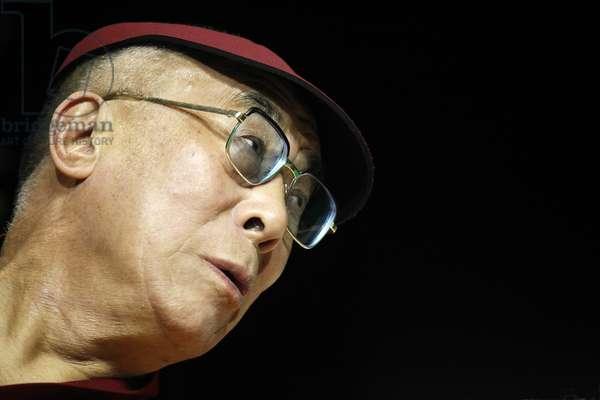 The Dalai Lama in Paris-Bercy (photo)