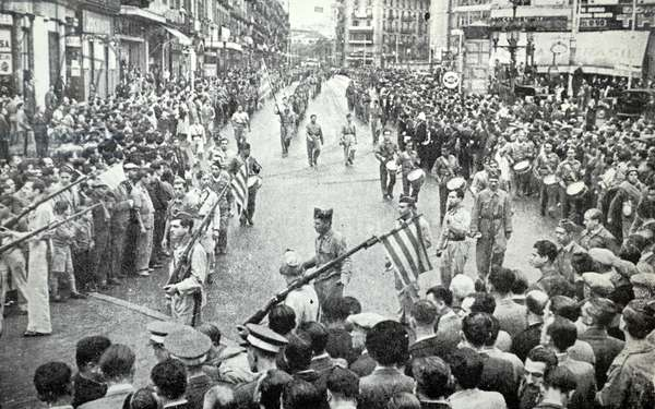 Parade by the Catalan militias in Pelayo Street in Barcelona, during the Spanish civil war 1937