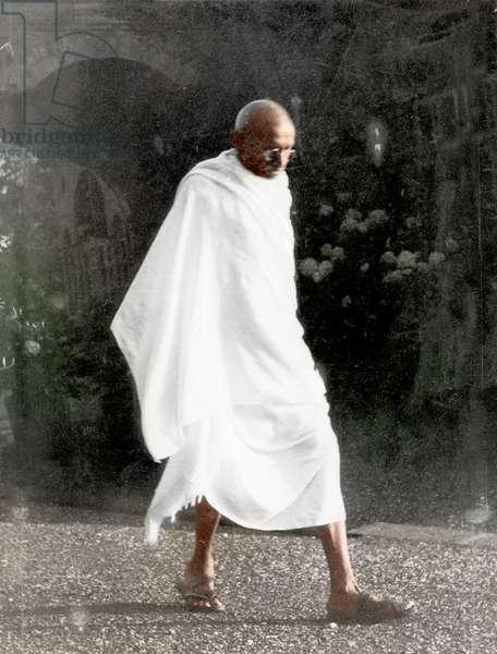 Mohandas Karamchand Gandhi dit Mahatma Gandhi (1869-1948), leader politique et spirituel indien a Panchgani juillet 1944 - Mahatma Gandhi at Panchgani, c. July 1944. ©Dinodia/Uig/Leemage