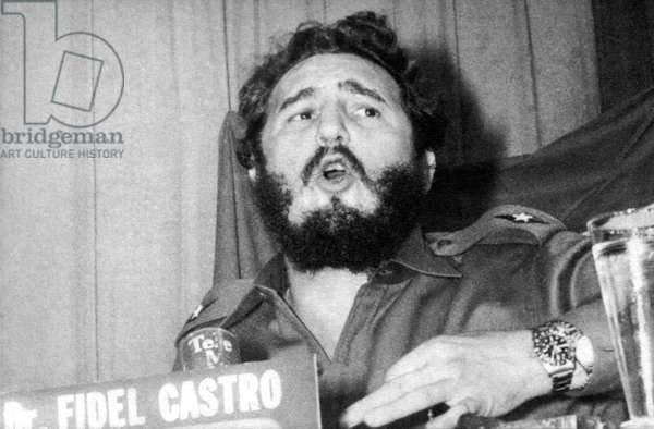 Fidel Castro Speaking (b/w photo)