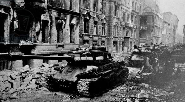 Soviet tanks in Berlin