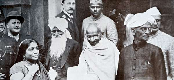 Mahatma Gandhi on his way to a session of the Second Round Table Conference on India.