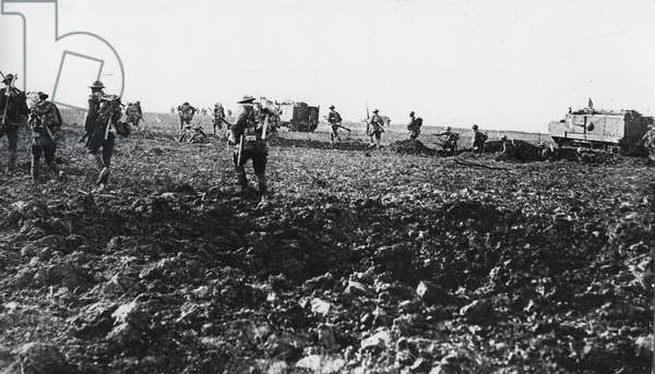 Battle of the Somme, 1918 (b/w photo)