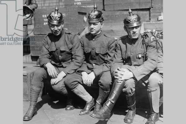 Prussian Helmet Bond Drive 1918 (photo)
