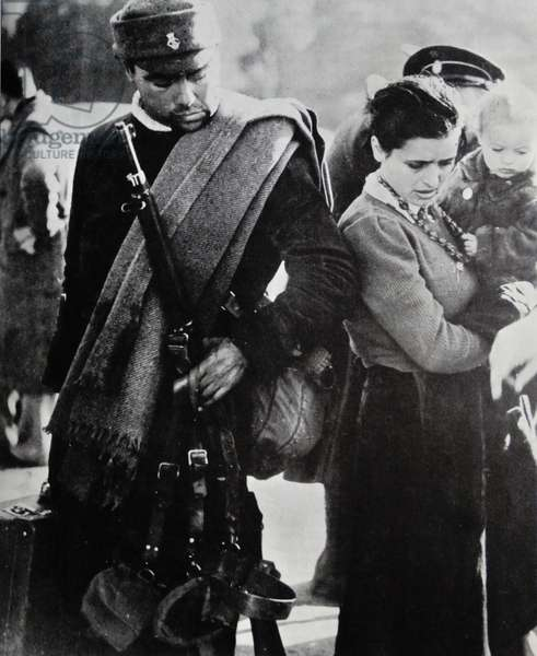 Spanish refugees at the French border