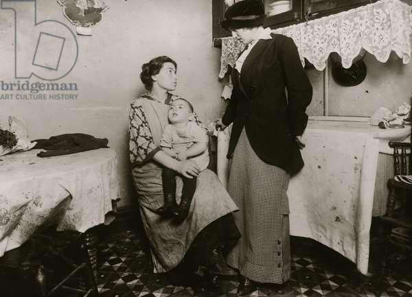Mother gives birth to a Mentally Retarded Child 1913 (photo)
