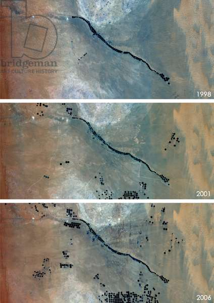 Agriculture in the Desert in Saudi Arabia in 1998, 2001 and 2006 (photo)