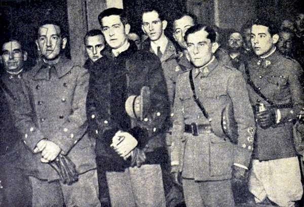 Spanish civil war : El Capitan Sediles and other officers