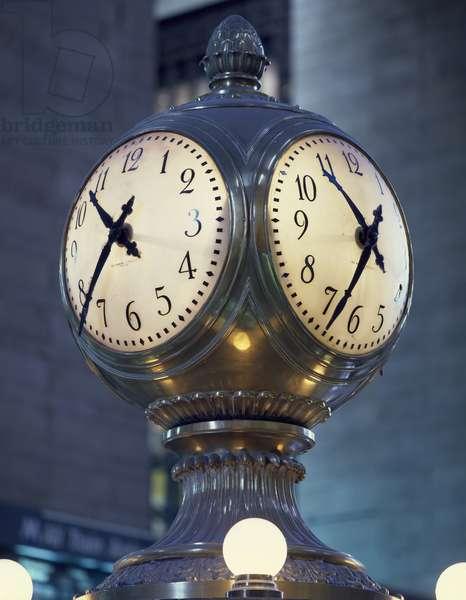 Clock (photo)