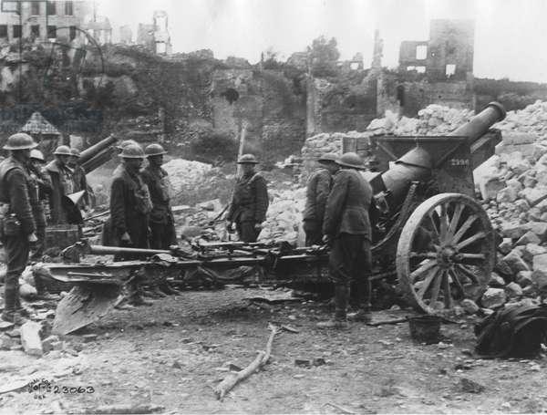 US Artillery, 1918 (b/w photo)