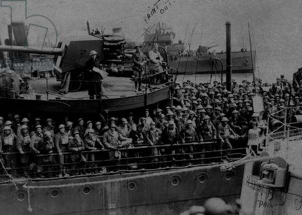 British Soldiers on a ship in World War Two, waiting to be evacuated from Dunkirk, May 1940 (b/w photo)