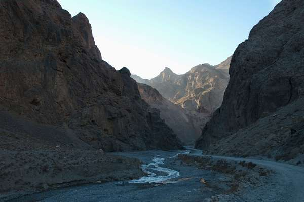 Bolola Pass in the Hindu Kush Mountains, Bamian Province, Afghanistan (photo)
