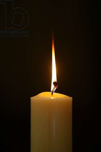 Candle in a church (photo)