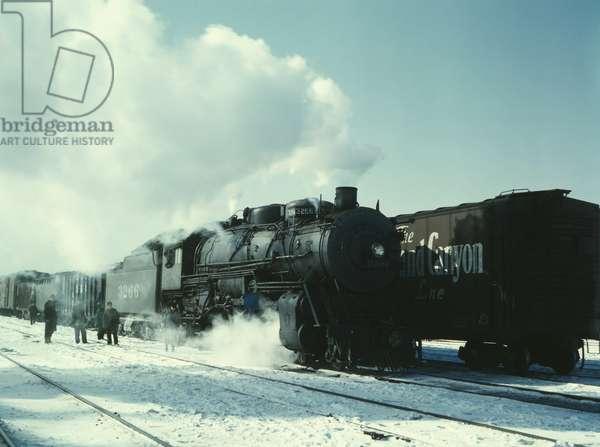 Santa Fe R.R. freight train 1943 (photo)
