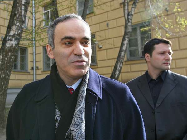 United Civil Front Leader Garry Kasparov (L) Seen at the Fsb Investigation Department, April 20, 2007, Moscow, Russia.