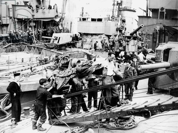 Ships Full of Soldiers at Dunkirk, May 1940 (b/w photo)