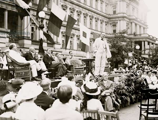Woodrow Wilson on Flag Day Celebration (photo)