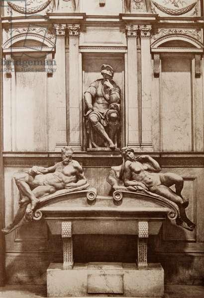 """""""Tomb of Giuliano de' Medici"""""""
