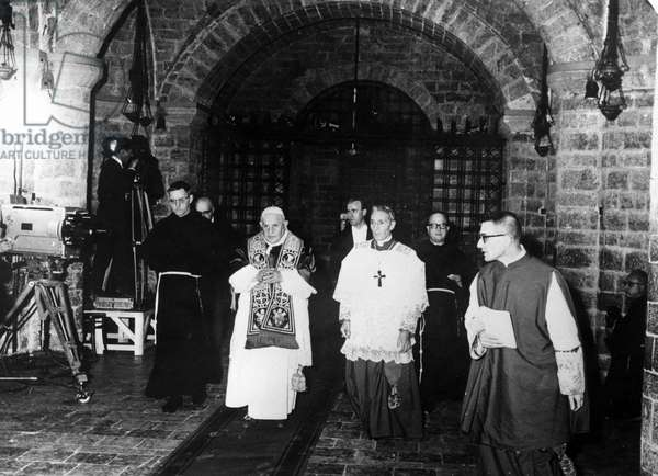 Assisi October 4, 1962 Pope John XXIII visit the Basilica of St