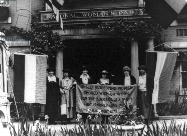Alice Paul and members, National Woman's Party
