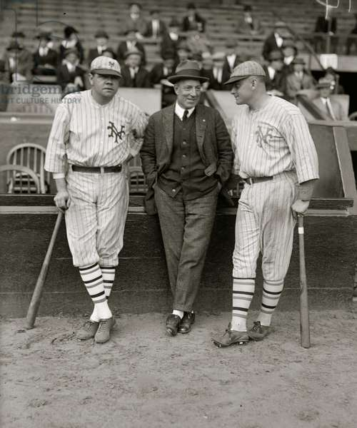 Babe Ruth & Jack Bentley in Giants uniforms for exhibition game; Jack Dunn in middle (baseball)] 1923 (photo)