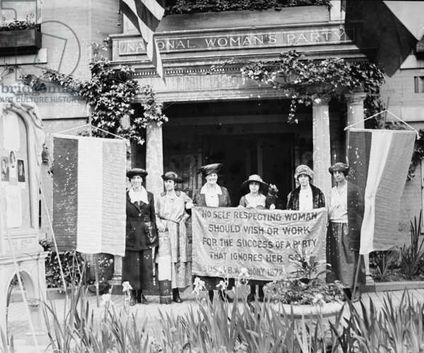 Suffragettes displeased over Women's Party Platform (photo)