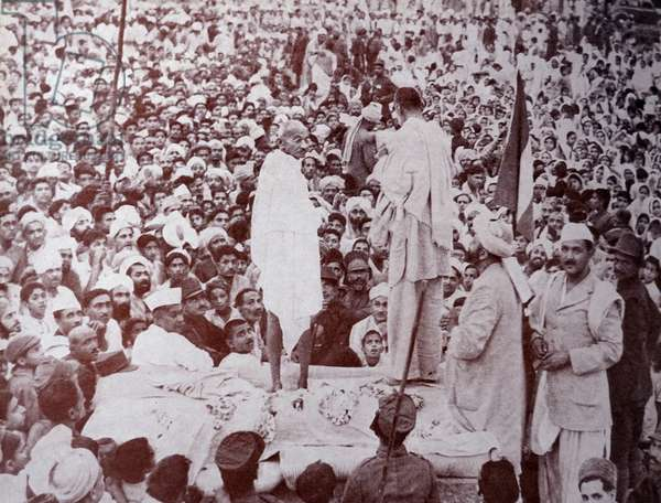 Mahatma Gandhi with Abdul Ghaffar Khan in Peshawar India, 1947