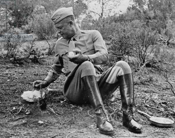 General Eisenhower in North Africa 1943 (photo)