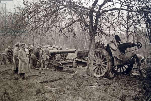 French artillery fire in a battle, 1918
