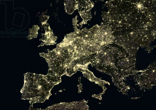 Western Europe at night in 2012 (photo)
