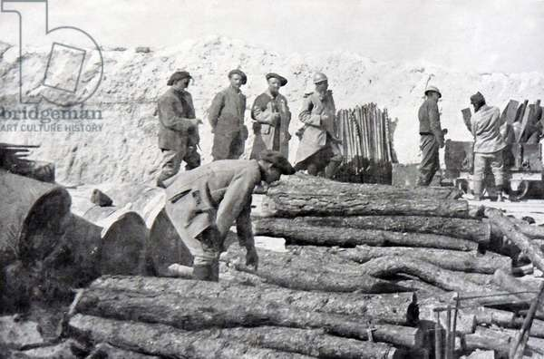 An artillery position is set up on the French front