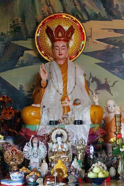 Buddhist Altar (photo)