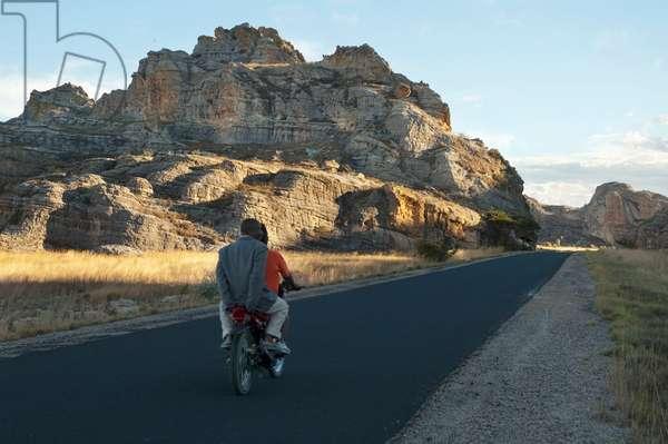 Highway No. 1 Through the Eroded Jurassic Sandstone Massif in Isalo National Park, Fianarantsoa Province, Madagascar (photo)