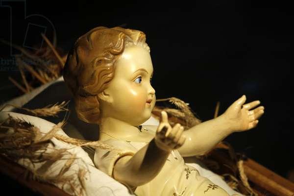 Jesus in Christmas crib SS (photo)