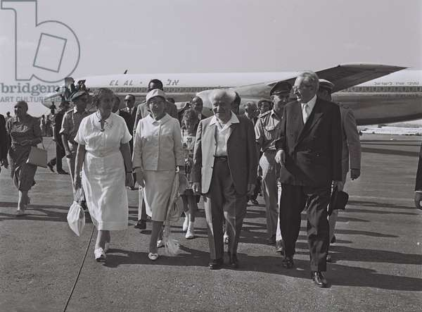 Yitzhak Ben-Zvi welcomed by Prime Minister David Ben-Gurion and Golda Meir, 1962