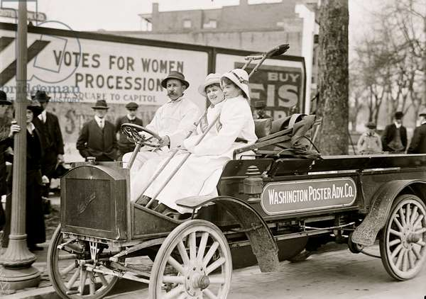 Poster Advertising Personnel on Truck 1913 (photo)