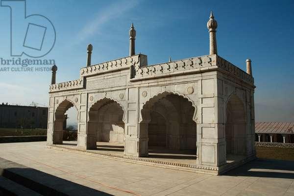 Marble Mosque at the Bagh-I-Babur Shah (Babur's Garden), Kabul, Afghanistan (photo)