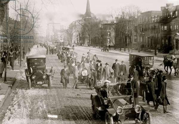 Rosalie Jones Hikers 1913 (photo)