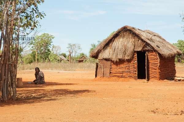 Mud House in An-Za Mpirahalahy, Toliara Province, Madagascar (photo)
