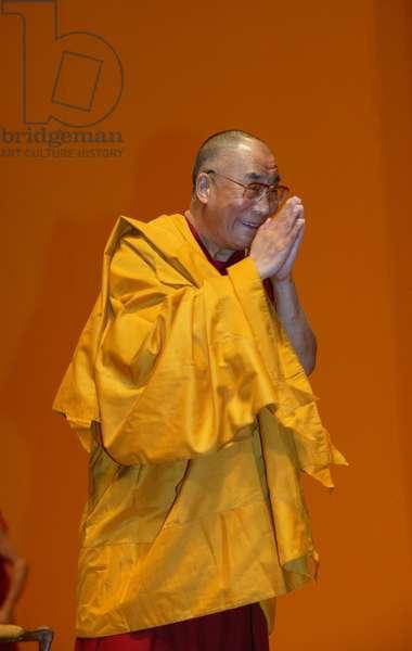 The Dalai Lama at Paris-Bercy (photo)