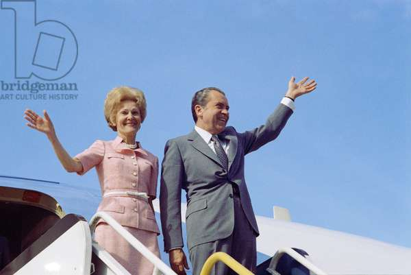 President Richard Nixon and his wife Patricia Nixon depart on Air force One, 1973