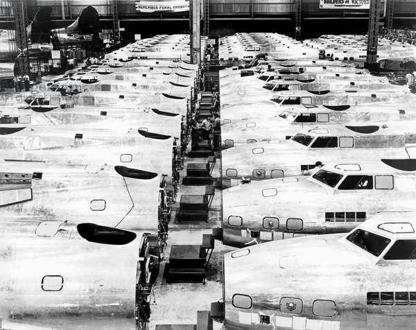 B-17 Fortress Factory (b/w photo)