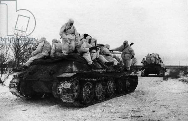 Battle of Stalingrad, Soviet T-34 Tanks and Infantry Advancing on Stalingrad from the South, February 1943.